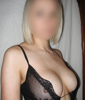 Femme blonde 38 ans à Vernouillet